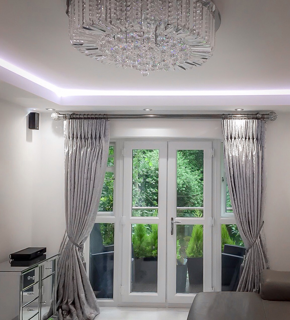 Gallery drapery box for Latest trends in curtains